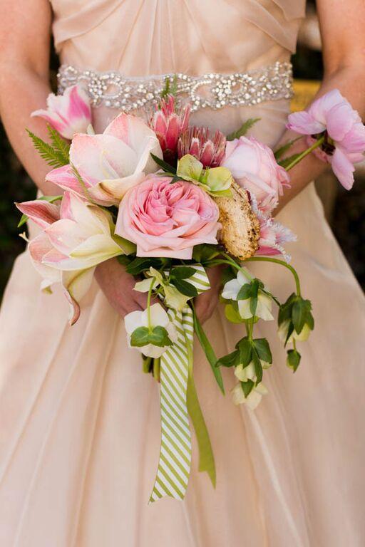 alice-in-wonderland-wedding-boquet