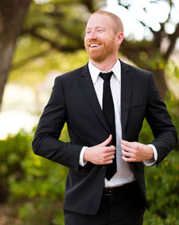 alice-in-wonderland-wedding-groom