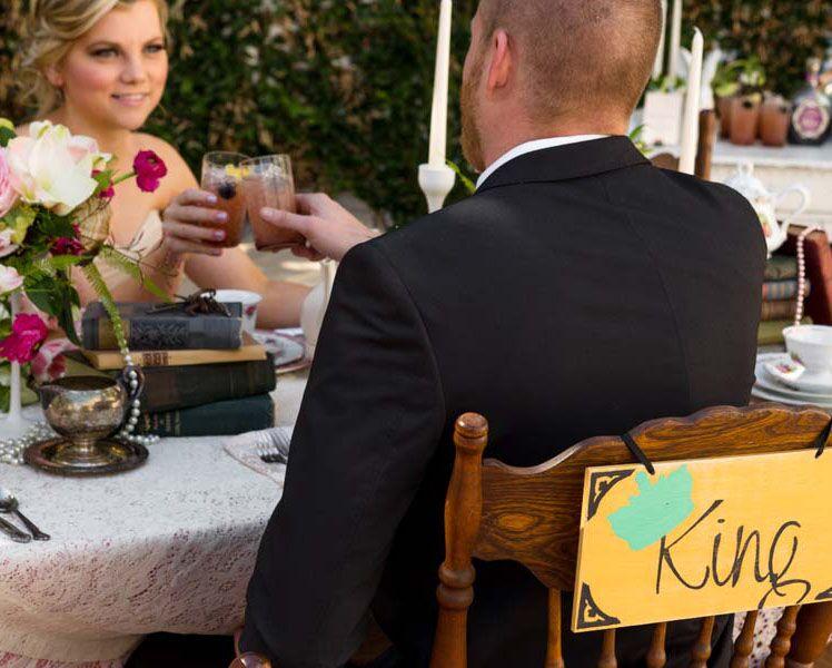 alice-in-worderland-inspired-wedding-moments