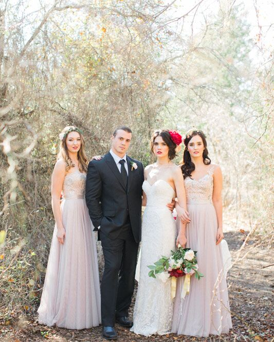 bridesmaids-with-lovely-couple