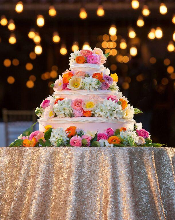 disney's-tangled-wedding-cake
