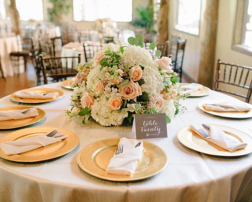 leslie-tommy-table-set