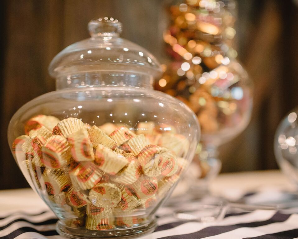 leslie-tommy-wedding-decor