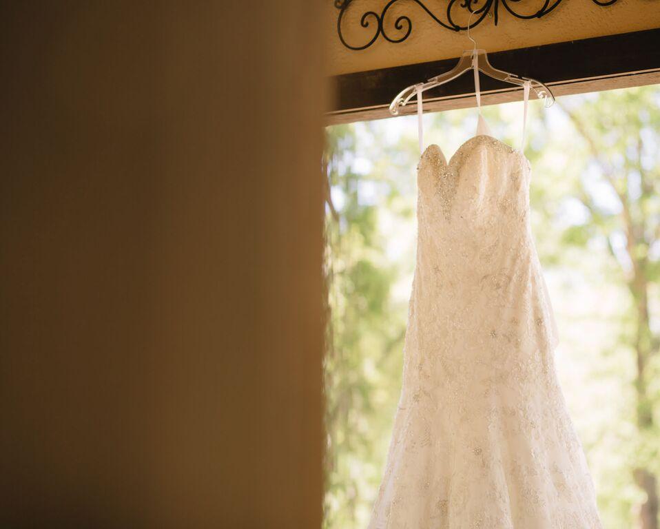 leslie-wedding-dress