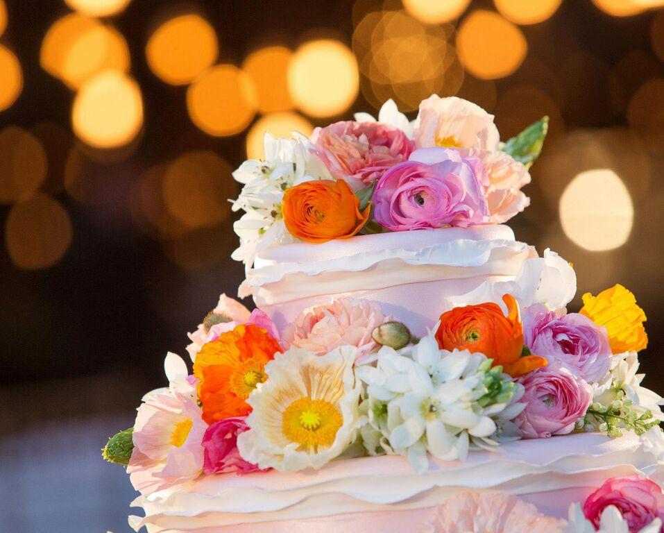 tangled-inspired-wedding-cake