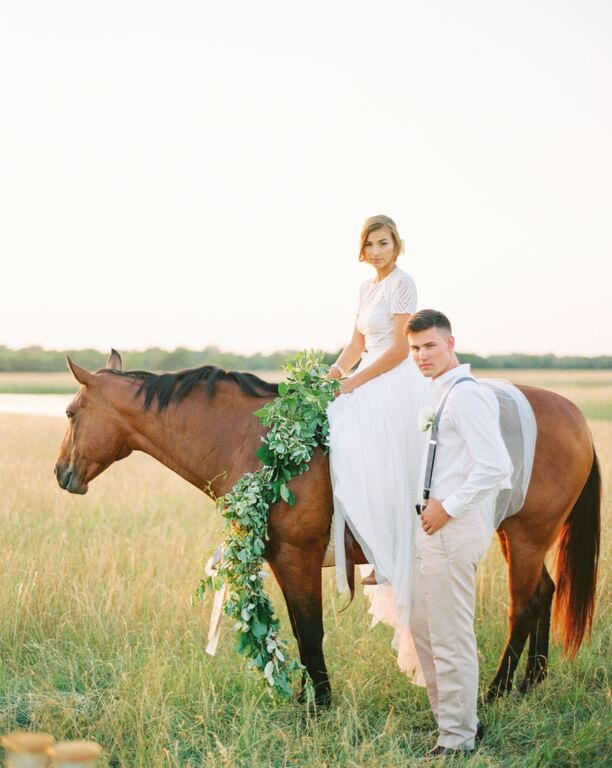 couple-with-horse