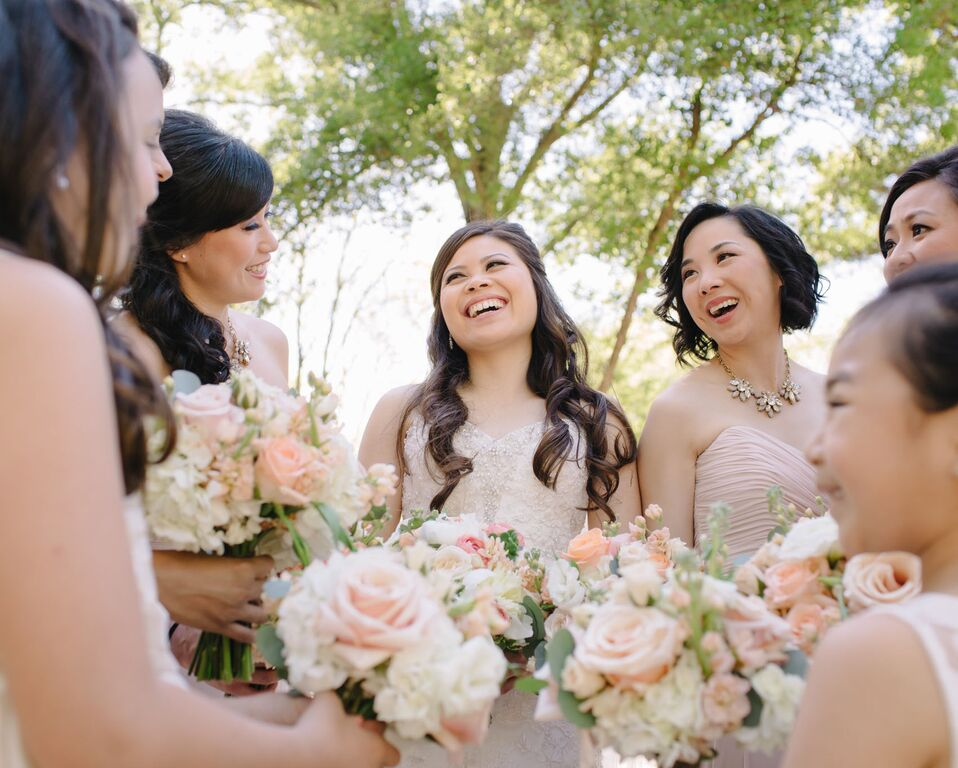 leslie-tommy-bride-and-bridesmaids