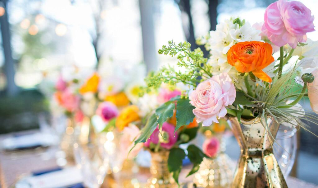 tanlged-inspired-wedding-flowers-decors