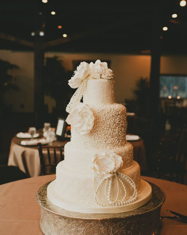 thuy-bardy-wedding-cake